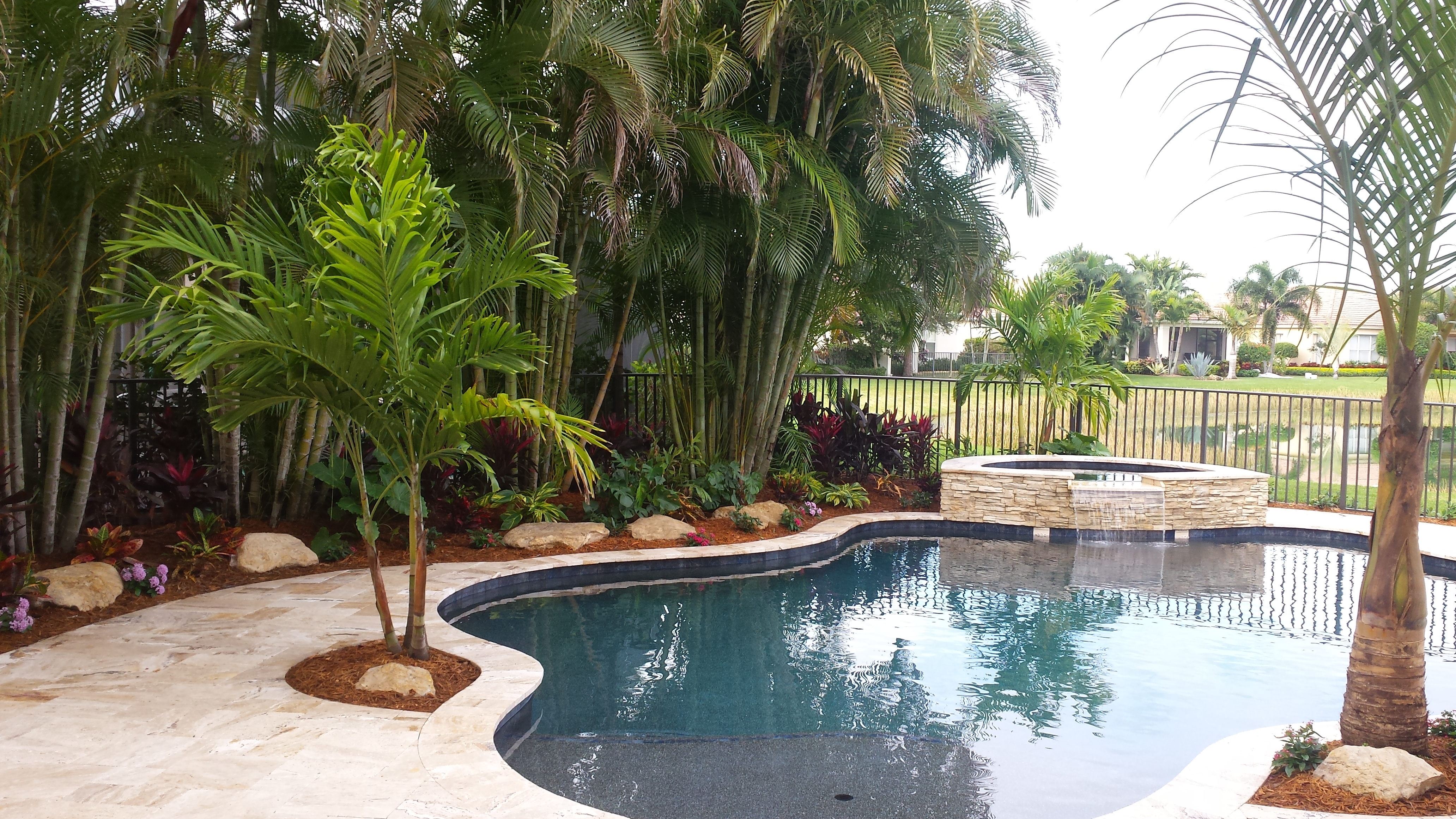 New swimming pool landscape palm beach gardens universal landscape inc - Palm beach swimming pool ...